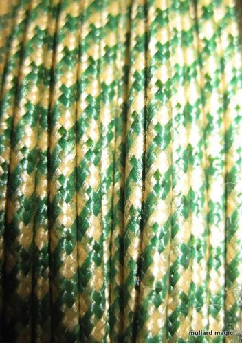 SILK BRAID COVERED VINTAGE 20 AWG HOOK UP WIRE GREEN WITH WHITE TRACER STRIPE - MULLARD MAGIC