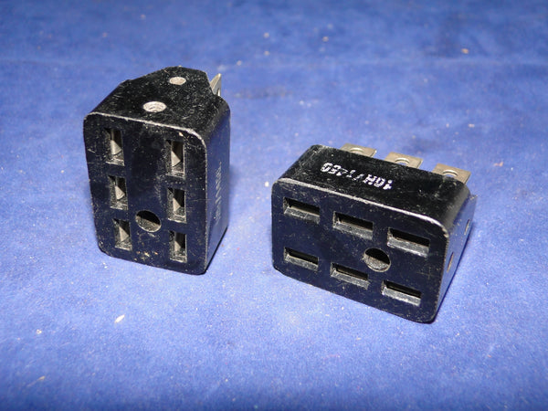 10H/1456, 4 PIN FEMALE , JONES SOCKET, CHASSIS MOUNT,  R1155, T1154, PSU