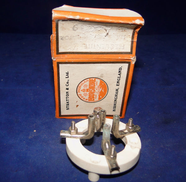 EDDYSTONE, FREQUENTITE, CERAMIC, BRITISH 4 PIN, B4, VALVE HOLDER,, BOXED, BOX TATTY