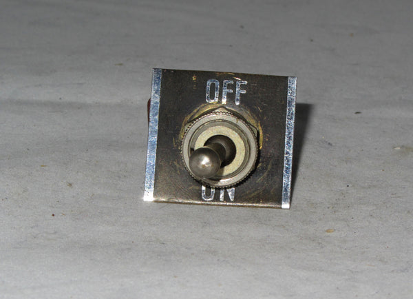 OAK CH DPST CENTRE OFF SWITCH WITH SWITCH PLATE EX EQUIPT