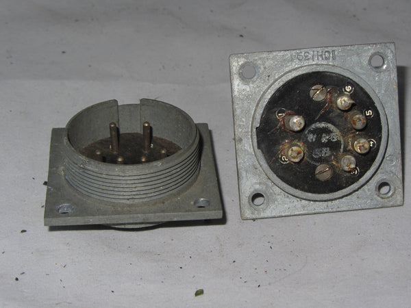 W PLUG, PLESSEY CIRCULAR,  CHASSIS PLUG, 6 WAY, AIR MINISTRY, 10H/394
