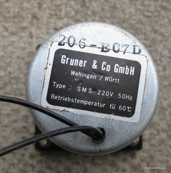 220/240V 50Hz HOUR METER BY GRUNER - NEW UNUSED - MULLARD MAGIC - 1