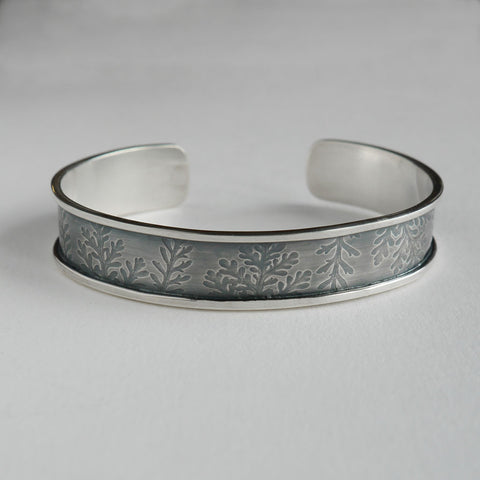 Dusty miller leaf frame bangle