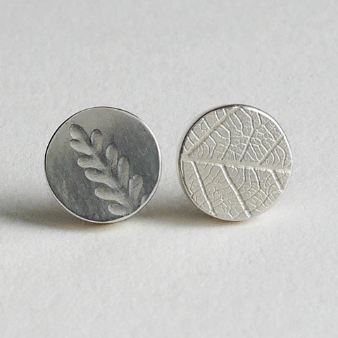 Small round leaf studs