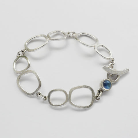 Freeform links bracelet
