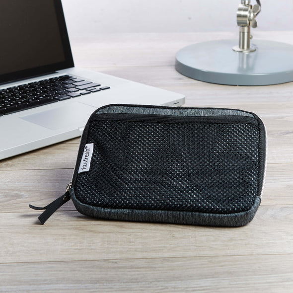 Media Pouch - Travel - Fit & Fresh