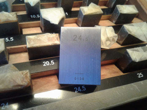 103 PCS METRIC GAGE BLOCK SET, DIN861 GRADE 1 W CERTS. within 0.20um #702F-103-1