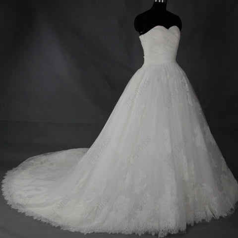 Sweetheart romantic lace ball gown wedding dress with train