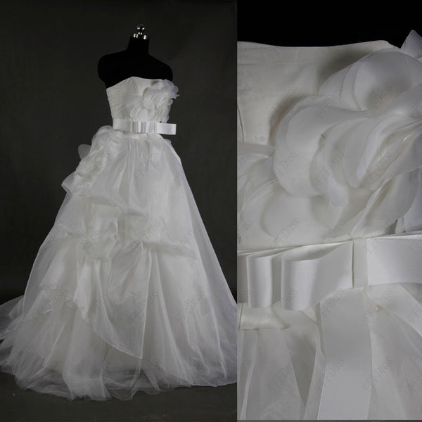 Flwoers pick up ball gown wedding dress with sash