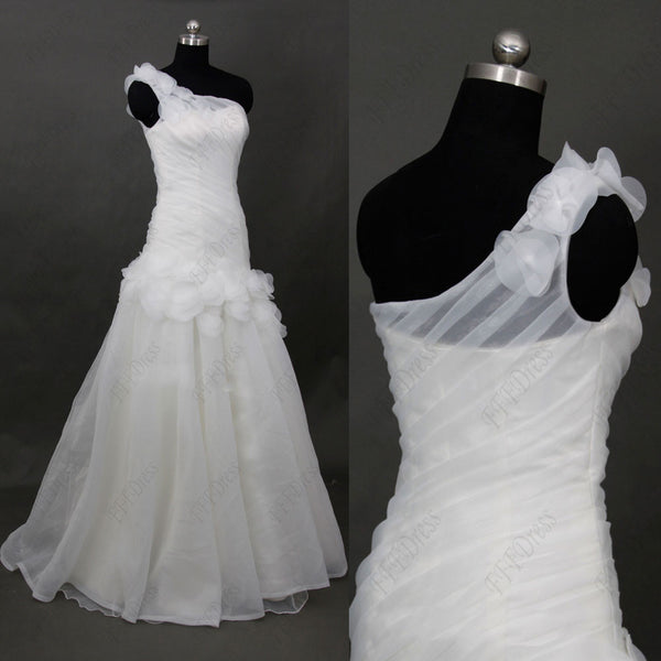 One shoulder flowers wedding dress