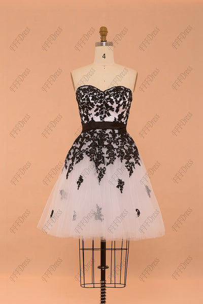 Sweetheart black and white short prom dresses