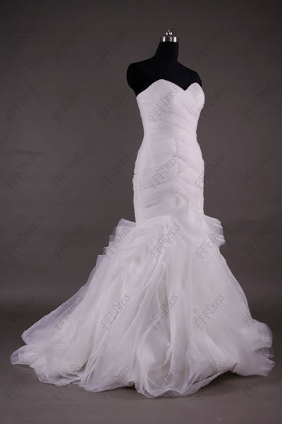 Sweetheart mermaid swirls wedding dresses with train