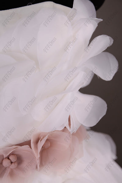 Sweetheart Ball gown wedding dress with blush sash