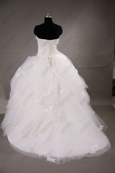 Sweetheart classic ball gown tiered wedding dresses