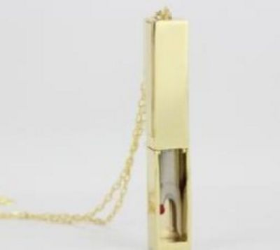 Seam Ripper Necklace in Gold