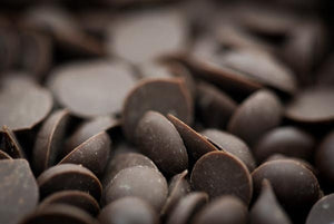 Raw Dark Chocolate Chips - The Great Unbaked
