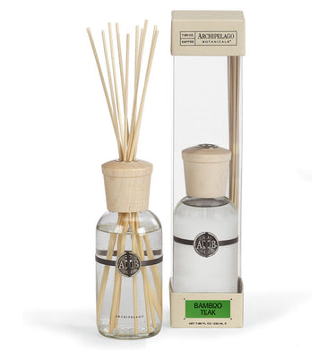 The Bamboo Teak Reed Diffuser features a distinctive woody blend of Green Bamboo, Teak, and Musk that is continuously diffused into the air.