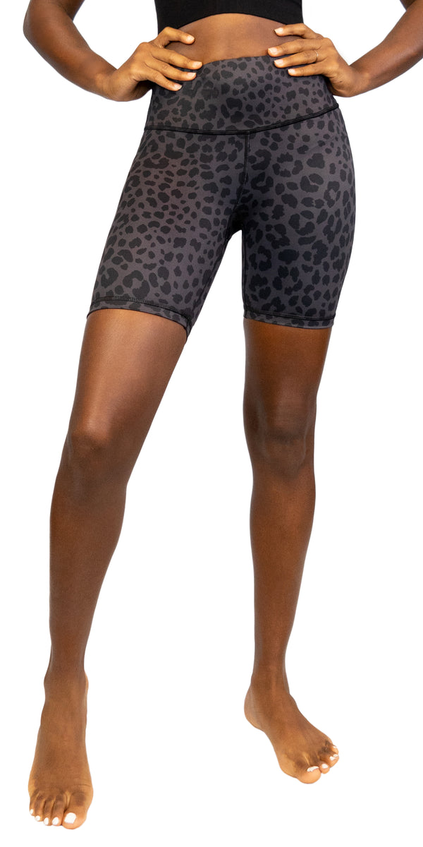 Night Leopard - Shorts