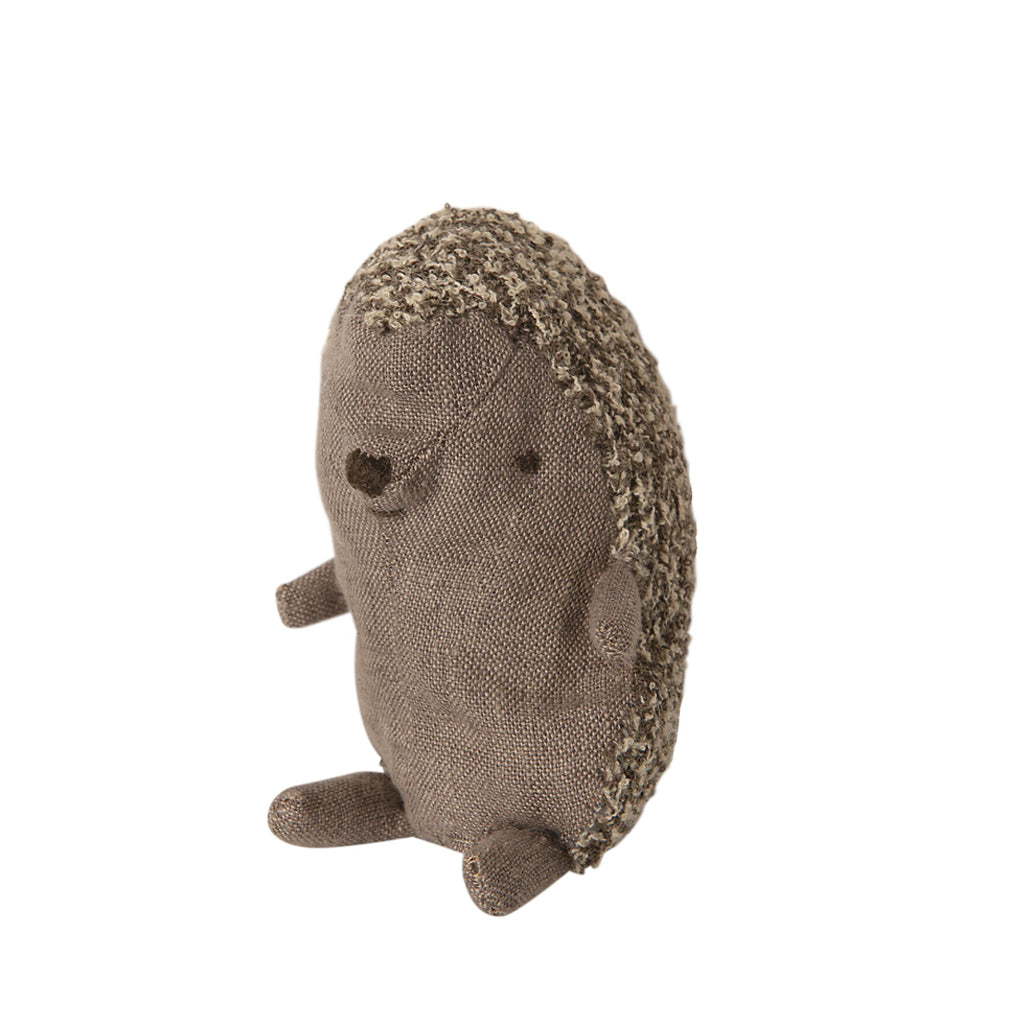 Maileg - Baby Hedgehog in Leaf 16-0930-00 | Mapamundi Kids