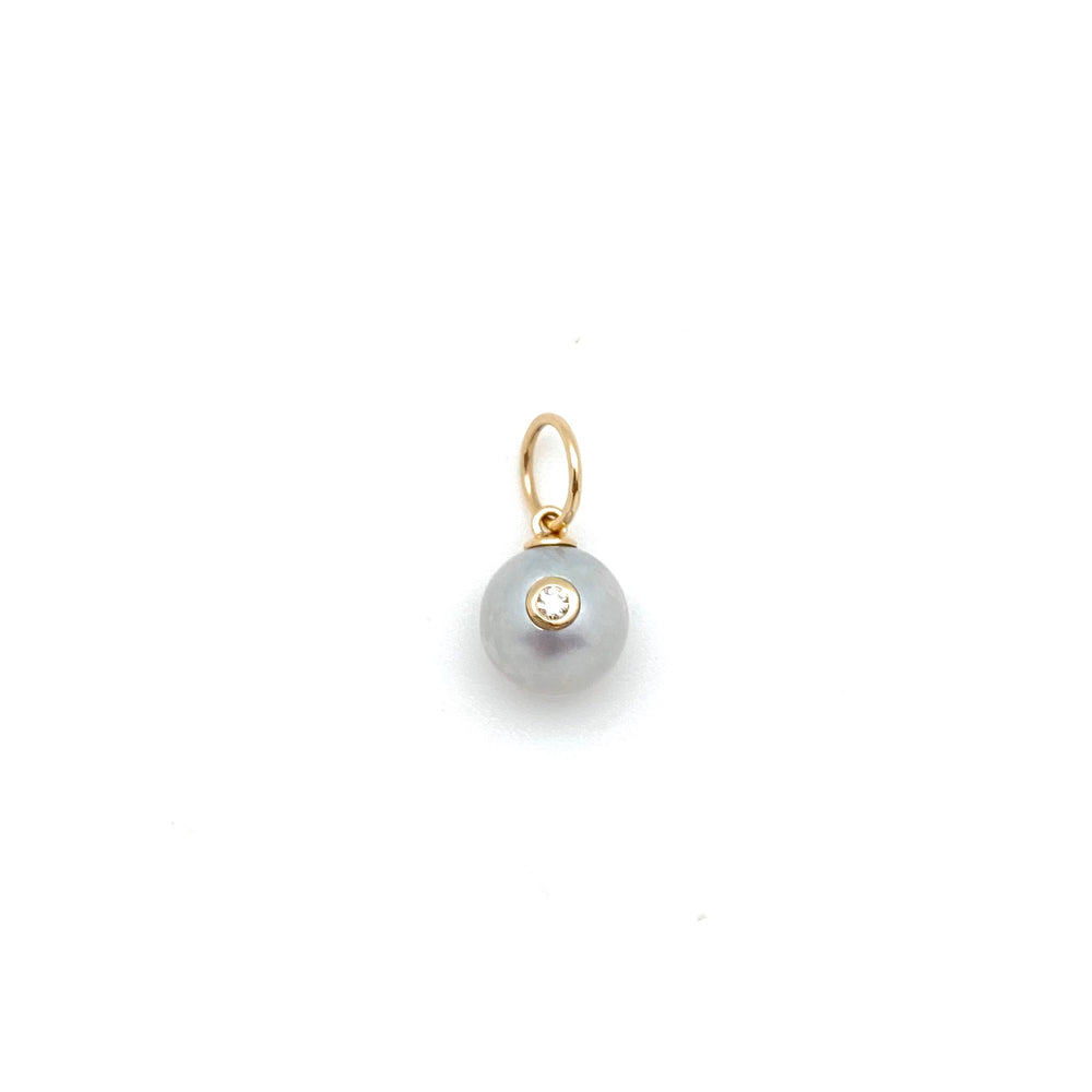 Grey pearl with inset diamond