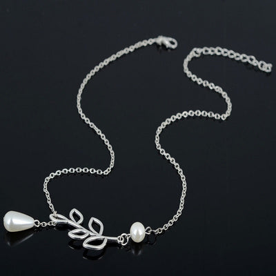Alice Bridesmaid Gifts Leaf Pearl Pendant Lariat Necklace, Bridesmaid Jewelry - Quan Jewelry
