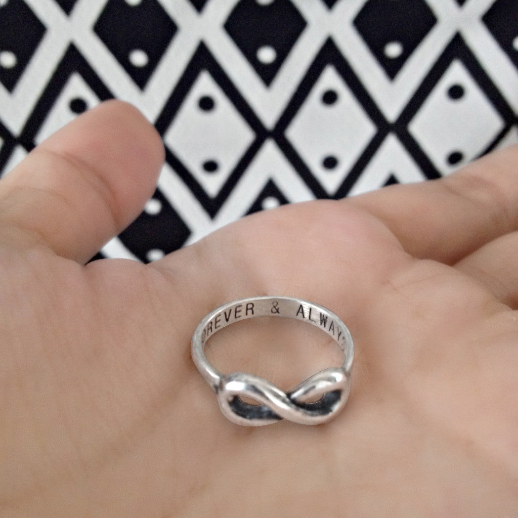 Akeisha Infinity Ring Forever & Always, 925 Sterling Silver - Quan Jewelry