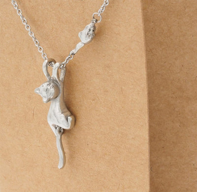 Cat Pendant Necklace with Little Mouse