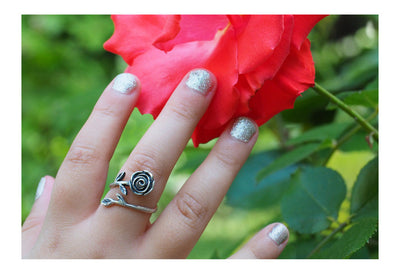 Ashley Rose Flower Engagement Ring, Best Friend Rings for Women - Quan Jewelry