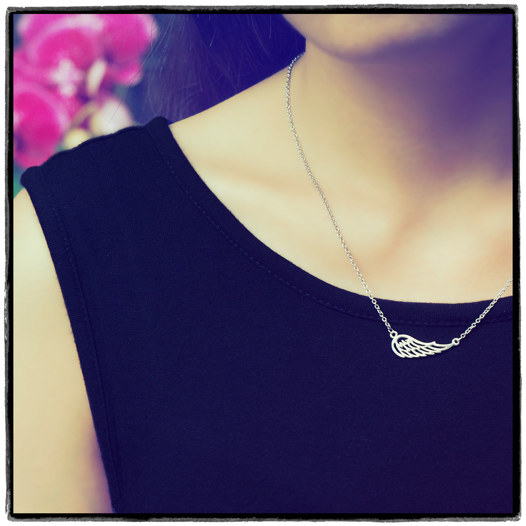 Riona Angel Wing Necklace, Gifts for Nurses, Sister Jewelry,  - Quan Jewelry - 2