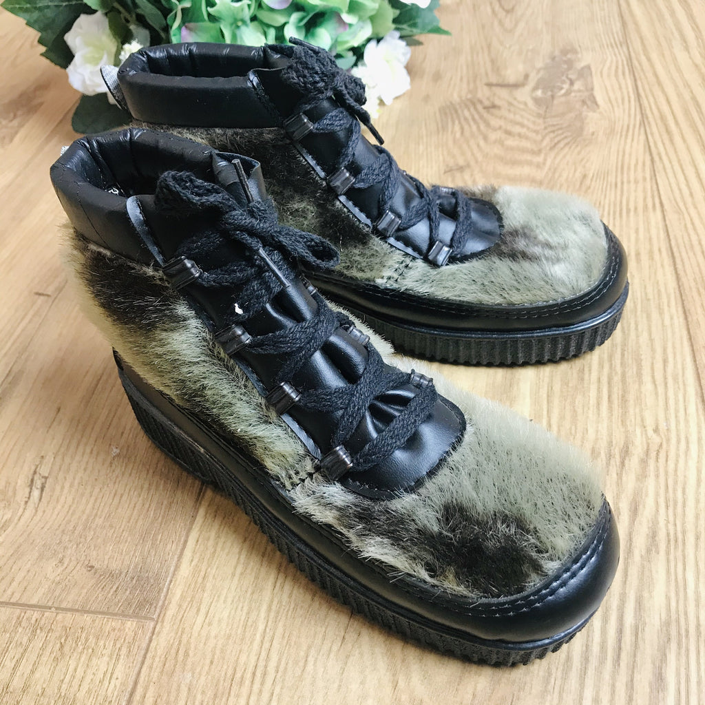 Deadstock 1970's /80's Children's Cosy Vegan Furry Lined Low Boots Made in Italy EU 29-31-32-Shoes-Petit Pays Vintage