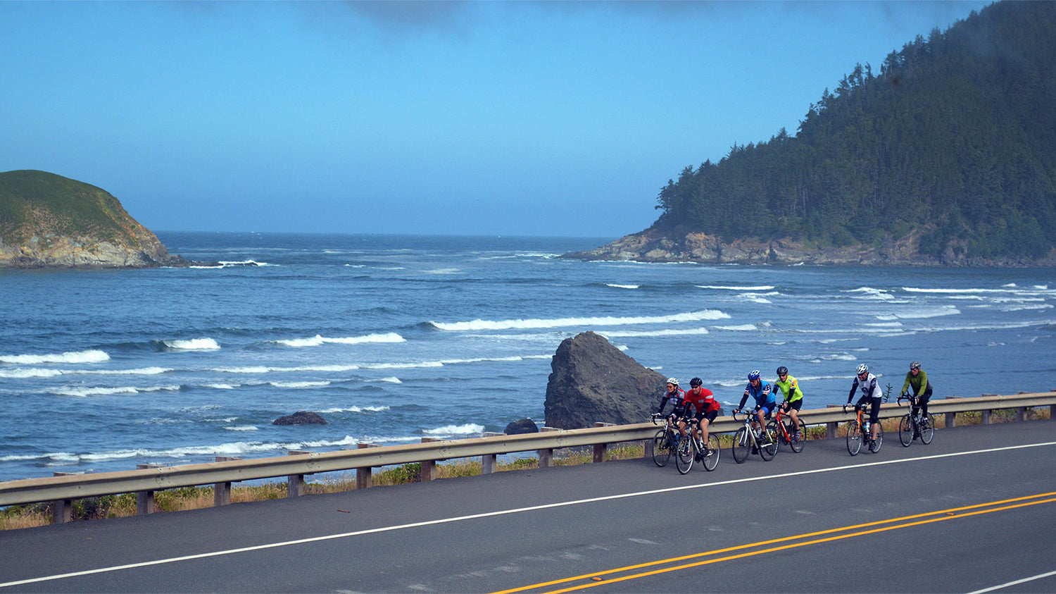 cyclists participating in Cycle Oregon