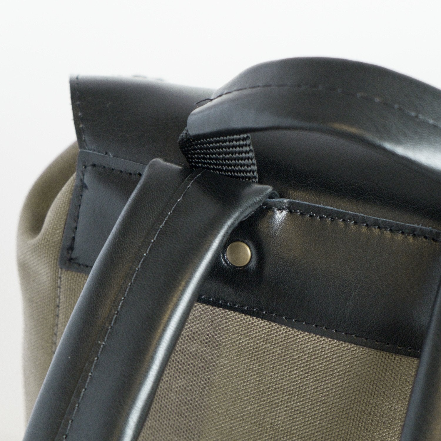 The Calvin Backpack - Green Backpacks - Looptworks