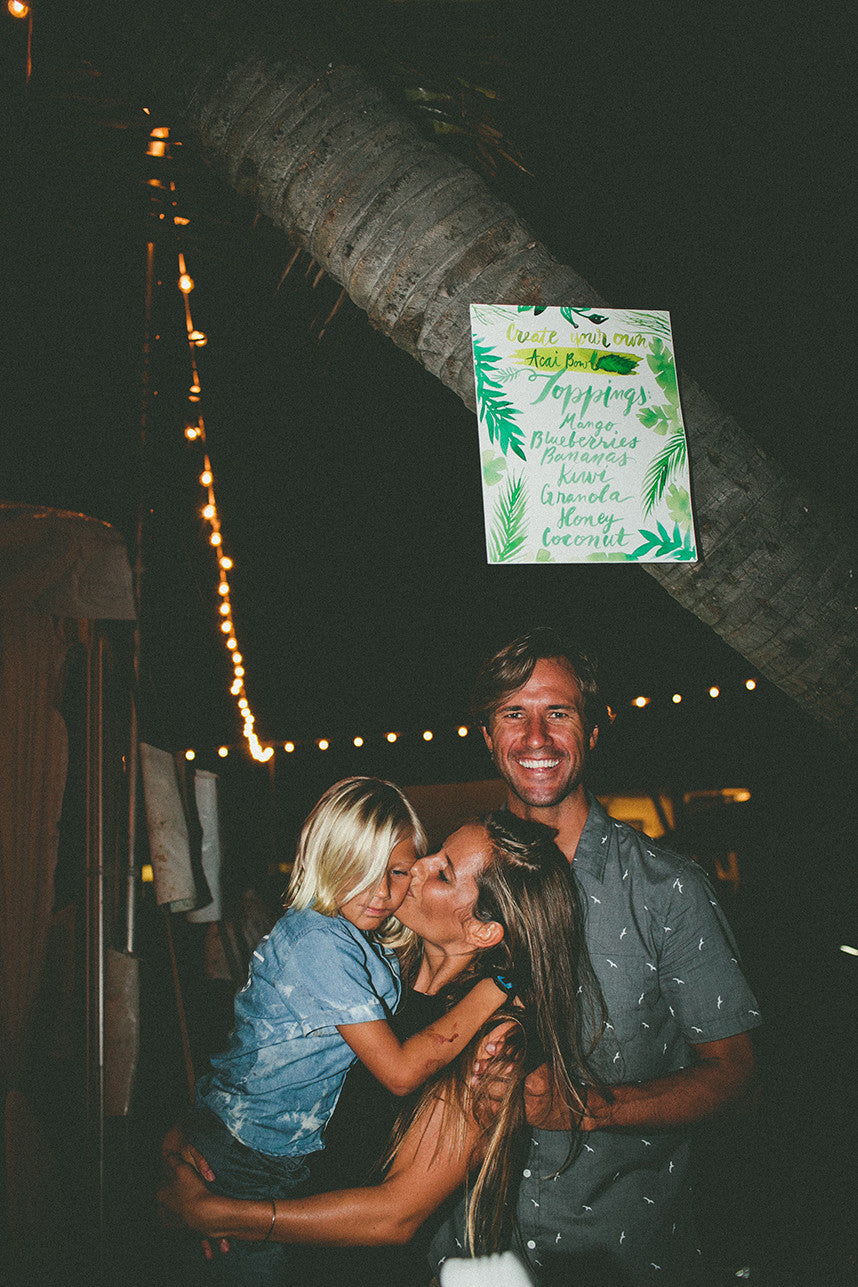 Island Destination Wedding Hawaiian Signs