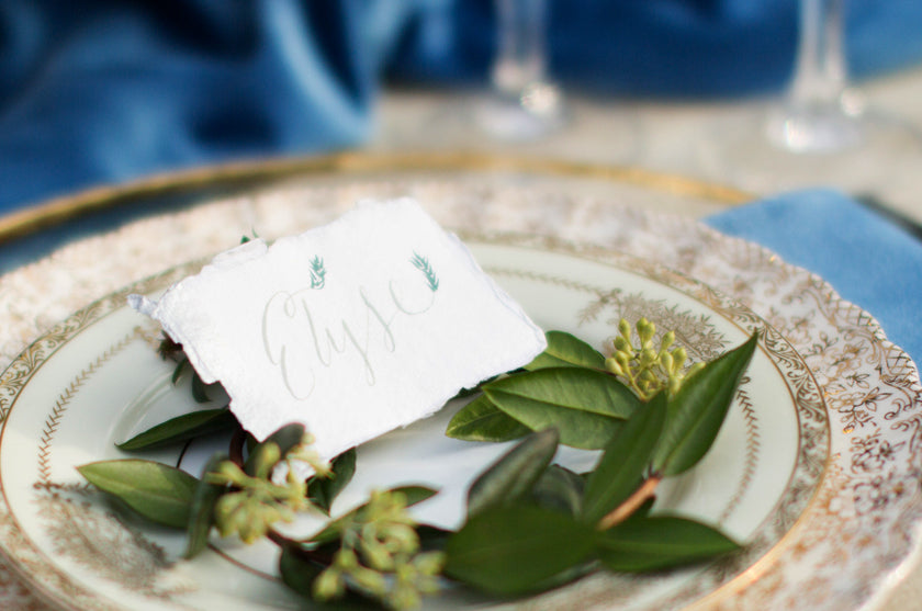 Place Card Setting Greenery Wreath Garland Gold Plate Blue