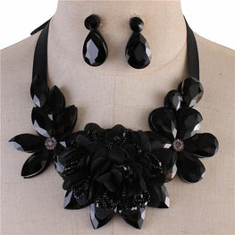 Black Crystal Flower Ribbon Necklace Set