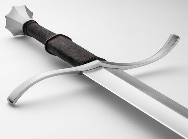 Katana vs Longsword: Battle of the Blades