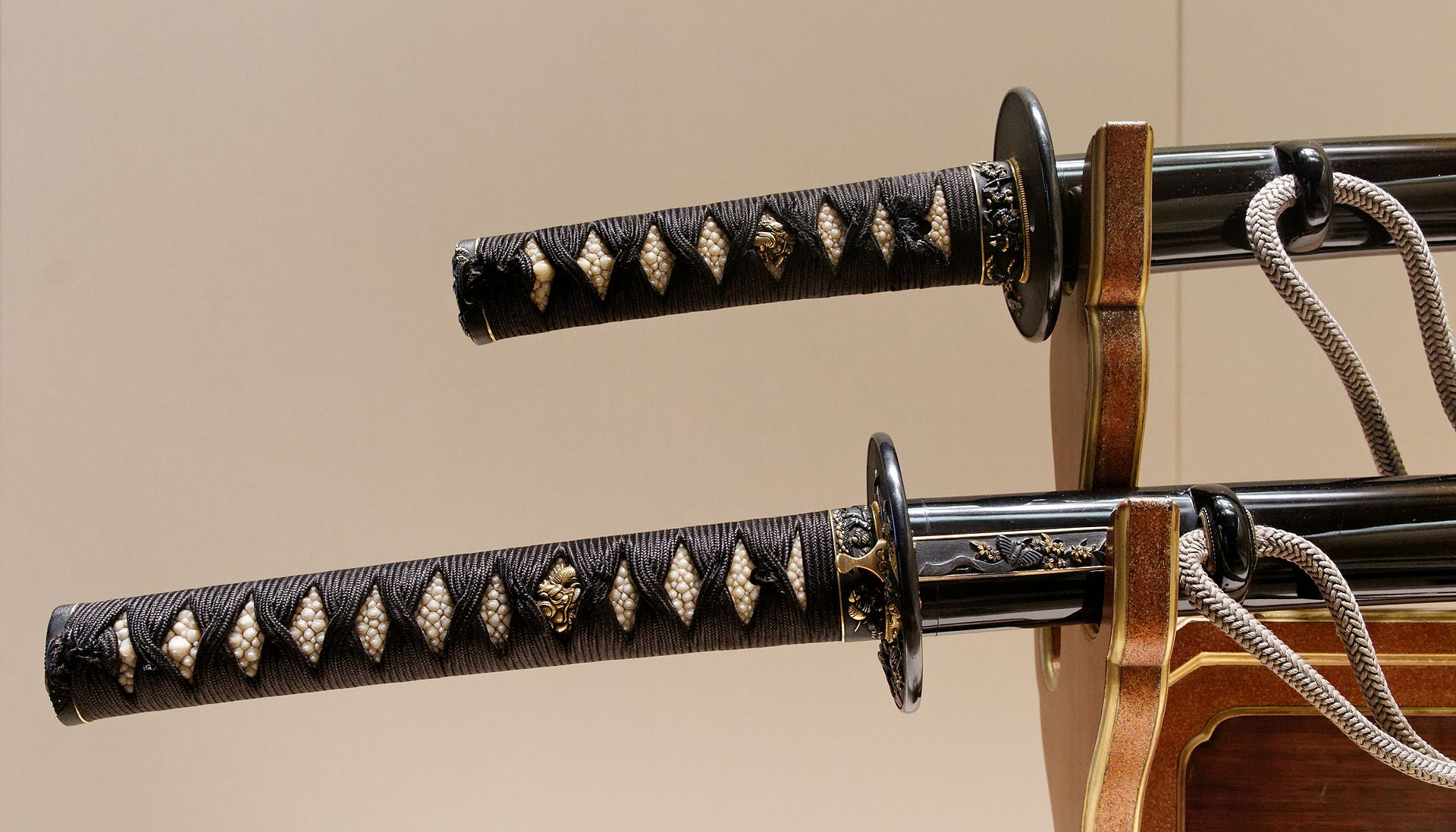 Traditional vs Modern Japanese Katana: What's the Difference?
