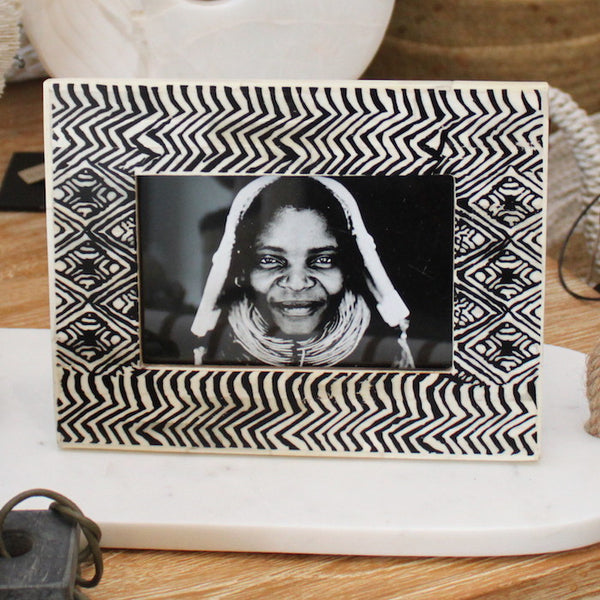 Bone Inlay Photo Frame - Black & White