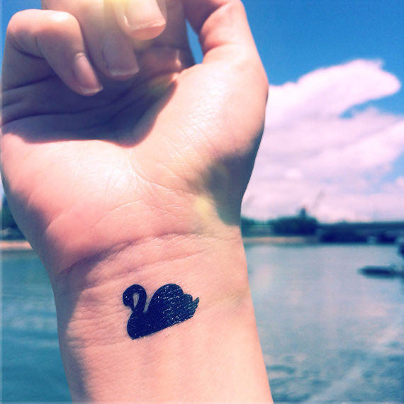 swan-temporary-tattoo