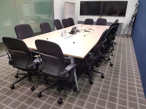 Steelcase Leap - Full Features / V2 / Black Fabric