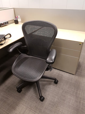 Herman Miller Aeron - Black in Size B