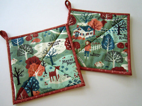 Pot Holders Set of 2 - Whimsical Acorn Trail Potholders
