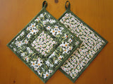 Pot Holders - Set of 2 Floral Potholders with Daffodils and Daisies