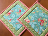 Pot Holders Flowers Set of Two Kitchen Decor