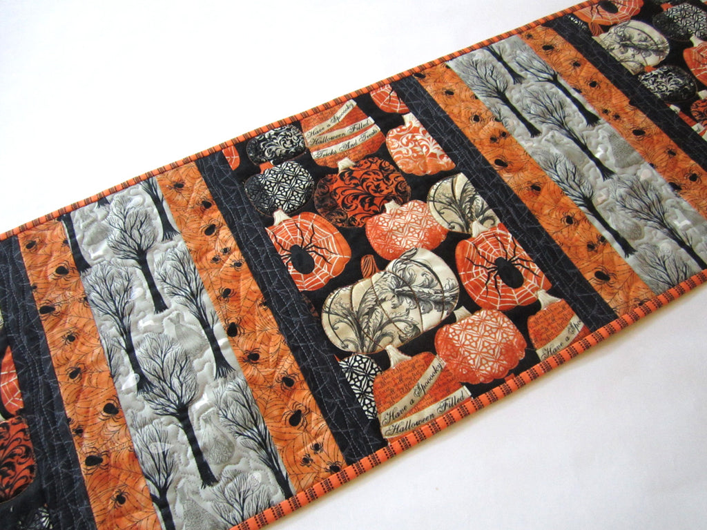 halloween table runner with pumpkins