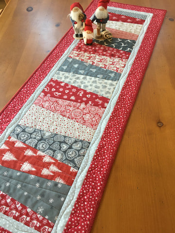 Christmas Table Runner Scandinavian Accent