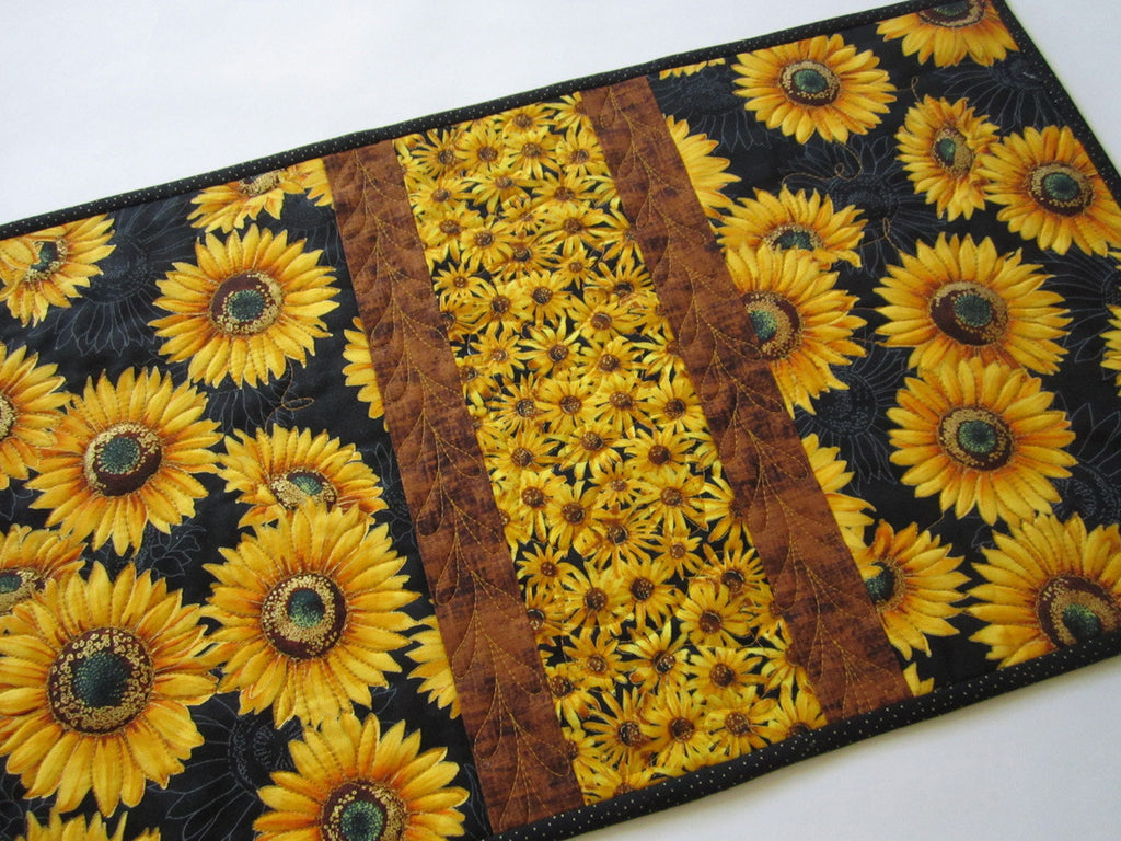 Wonderful ... Sunflowers Quilted Table Runner ...