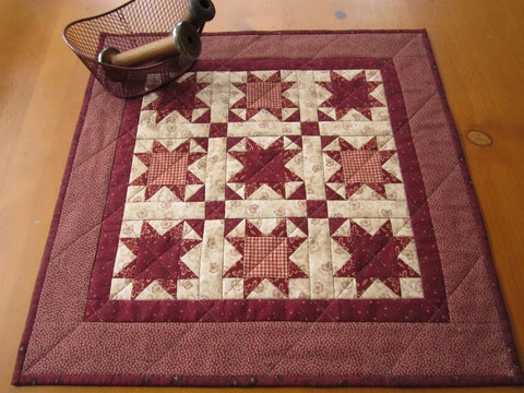 Traditional Table Topper Stars in Red and Tan