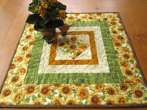 Table Topper with Sunflowers