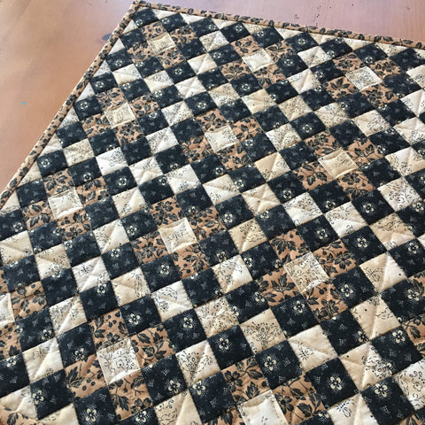Table Topper Black and Tan